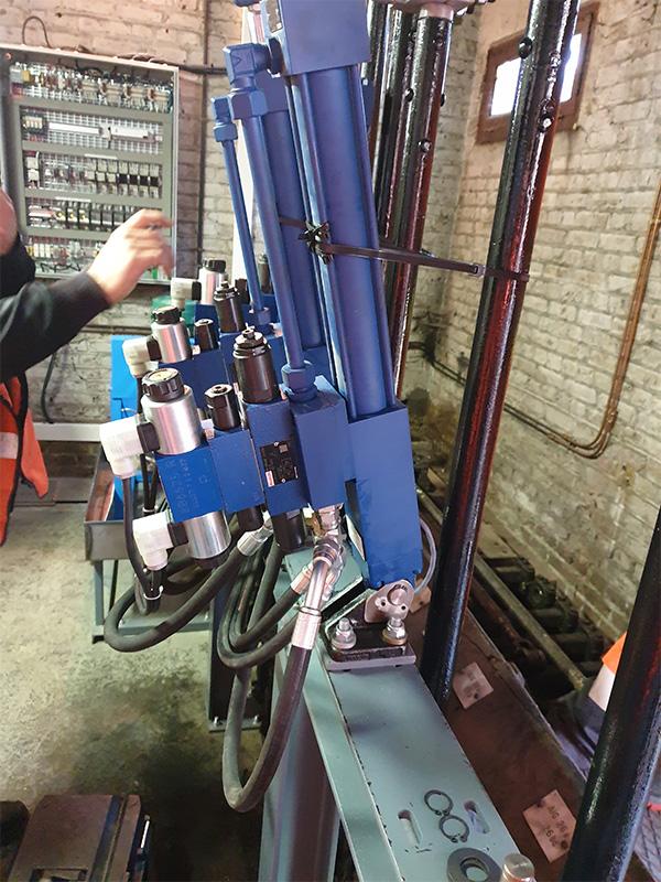 Installation de centrales hydrauliques d'assistance à la manœuvre - Rouen - Poste 1