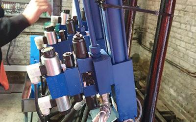 Installation de centrales hydrauliques d'assistance à la manœuvre